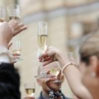 Как поздравить брата на свадьбе: необычные способы поздравления