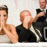 Как поздравить на свадьбе подругу: оригинальные слова