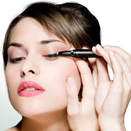 Как правильно подчеркнуть глаза, делая дневной макияж?