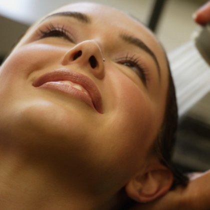 Какие витамины влияют на рост волос на голове у женщин
