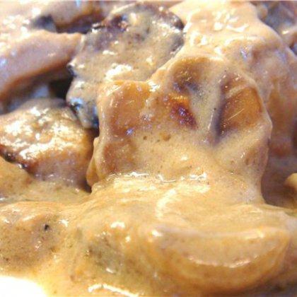 Как правильно пожарить печень в грибном соусе?