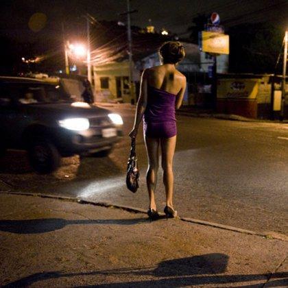 Как снять проститутку?
