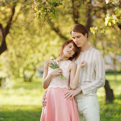 Как провести весеннюю фотосессию в парке для пары?