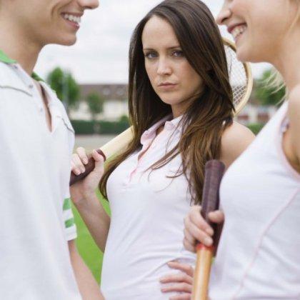 Как перестать ревновать своего парня и быть спокойной?