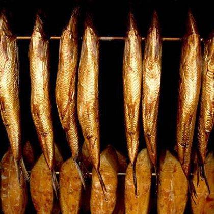Как закоптить рыбу в домашних условиях: пошаговое приготовление блюда