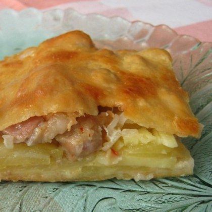 Как сделать пирог с рыбой и картофельными чипсами?