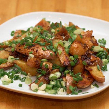 Как жарит картошку с грибами на сковороде рецепт с