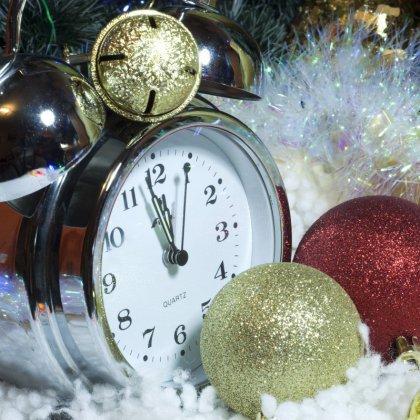 Как правильно дарить часы в подарок на Новый Год?