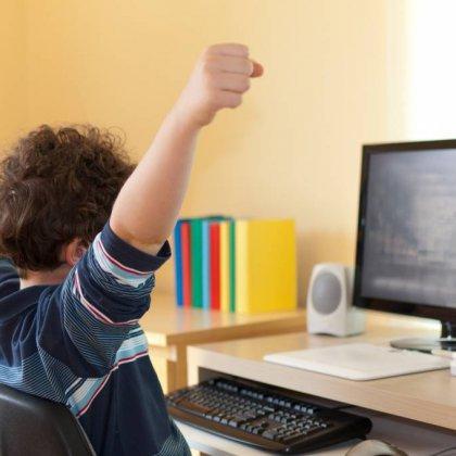 Как научить ребенка пользоваться компьютером?
