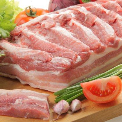 Как засолить грудинку; как вкусно засолить корейку?