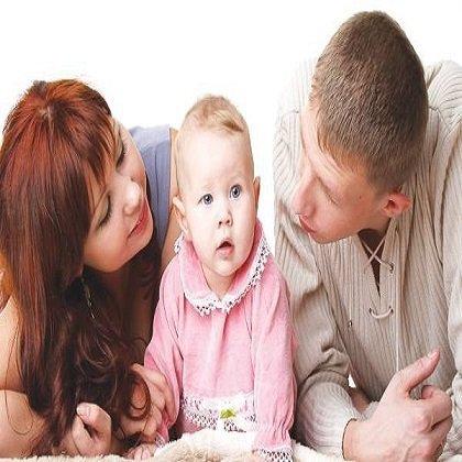 Как научить ребенка говорить: игры с малышом