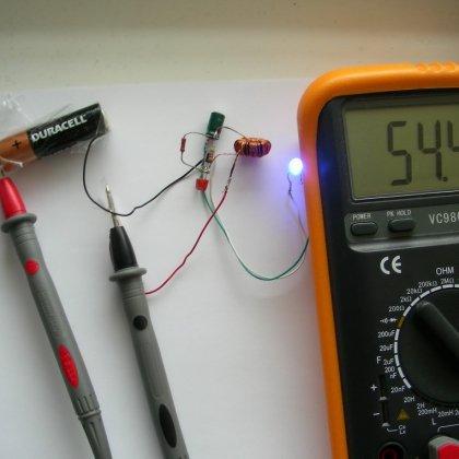 Как проверить батарейку тестером?