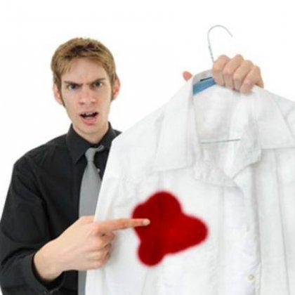 как вывести пятно от крови с одежды