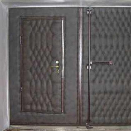 Как утеплить ворота в гараже?