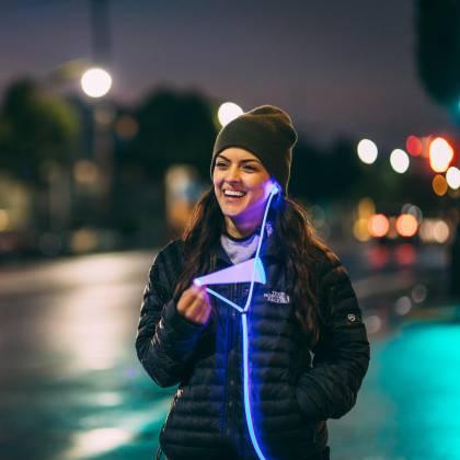 Кто хочет крутые наушники? Наушники Luminous Headphones - светящиеся в такт твоей музыке!