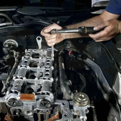 Как высверлить болт из блока двигателя, каким методом?