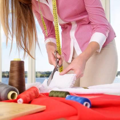 Как научиться шить и кроить самостоятельно: советы для начинающих