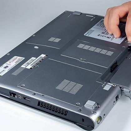 Как включить ноутбук без аккумулятора, если постоянно им пользуюсь?