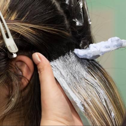 Как часто можно красить волосы краской: мнение парикмахеров