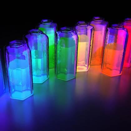 Как сделать светящуюся жидкость из подручных средств: домашний эксперимент