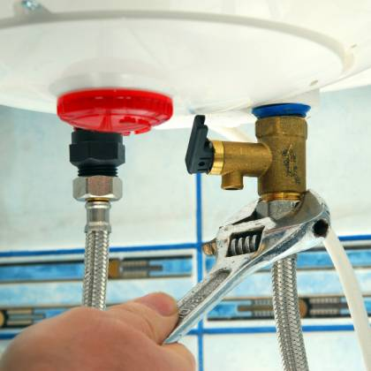 Как вылить воду из водонагревателя: применимые способы