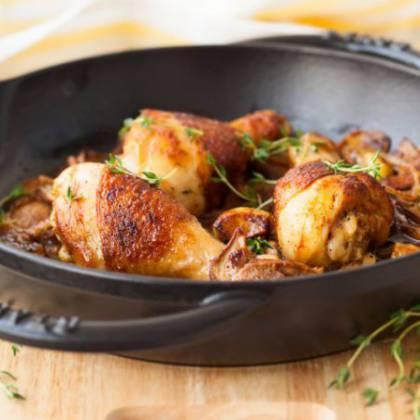 Как пожарить куриные ножки на сковороде с хрустящей корочкой?