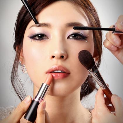 Как сделать азиатский макияж по всем правилам?