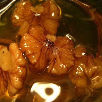 Как приготовить грецкие орехи в меду?