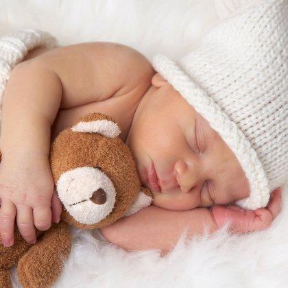 Как одевать новорожденного на ночь?