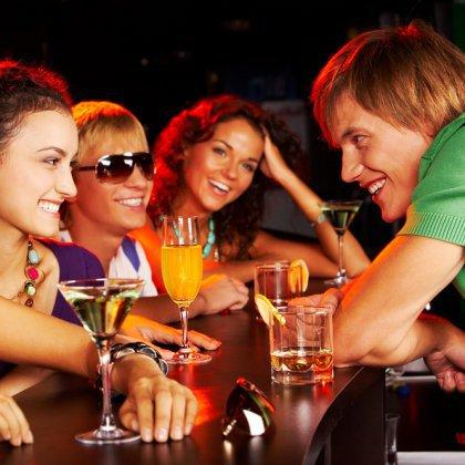 как девушке познакомиться в ночном клубе с парнем
