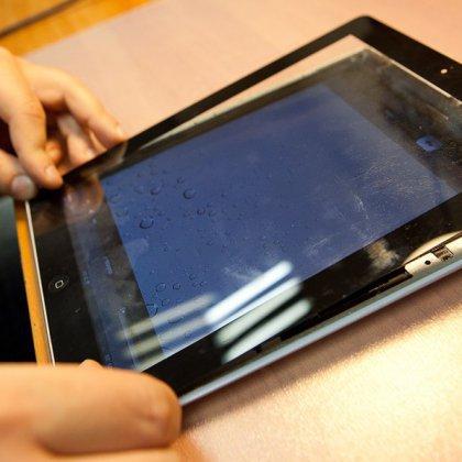 Как заменить сенсорный экран на планшете?