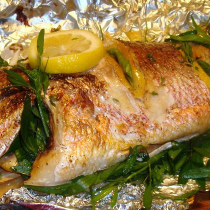 Как запечь в духовке рыбу в фольге?