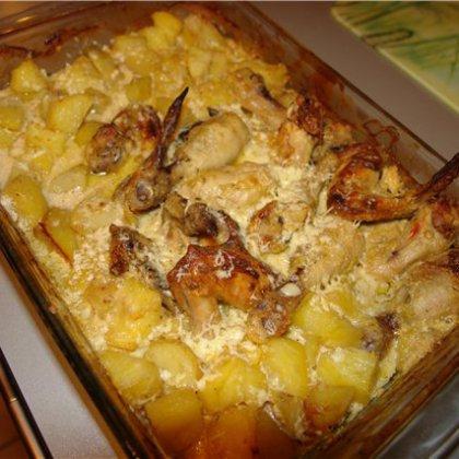 Как вкуснее всего приготовить курицу с картошкой в духовке?