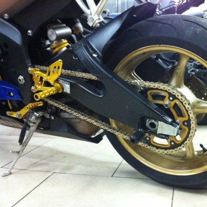 Как правильно смазать цепь мотоцикла?