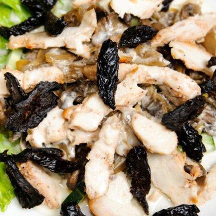 Салат курица с черносливом с