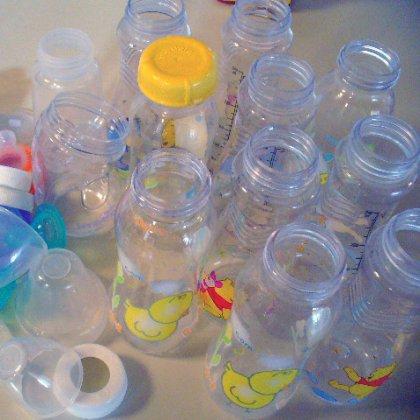 Как стерилизовать детские бутылочки в микроволновке?