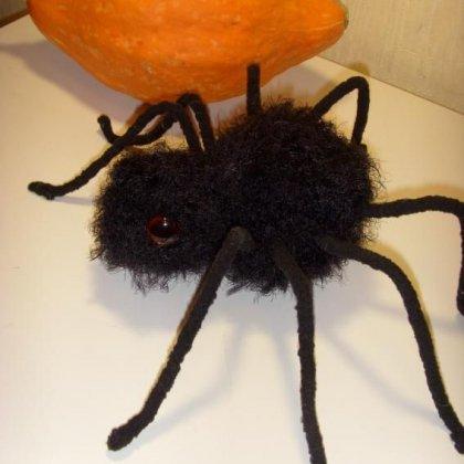 Как сделать паука из ткани своими руками