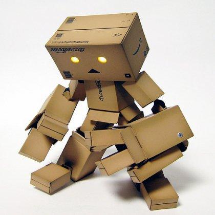 Как сделать робота из коробок: веселые поделки