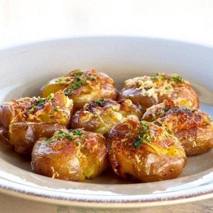 Как запекать картошку в мультиварке?