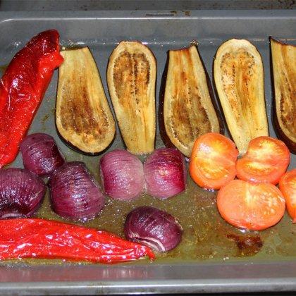 Целиком запеченные овощи в духовке