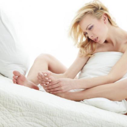 Как снять судорогу в ноге ночью?
