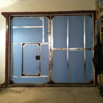 Как утеплить металлические ворота?