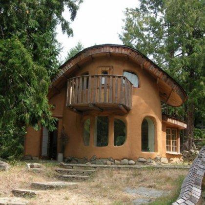 Как построить дом из глины?