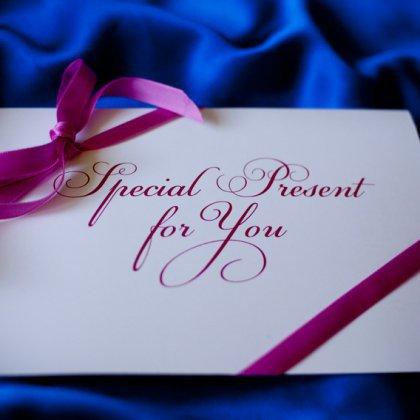 Как подарить подарочный сертификат?