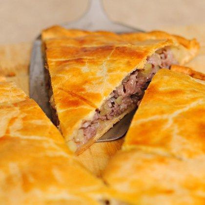 Как приготовить мясной пирог: полезные советы