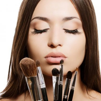 Как правильно сделать макияж?
