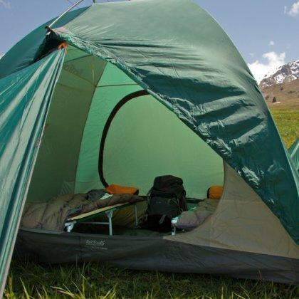 Как поставить в палатку раскладушку?