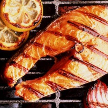 Как вкусно приготовить красную рыбу в духовке?
