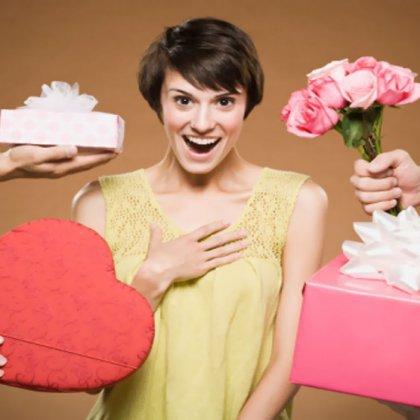 Как удивить девушку подарком?