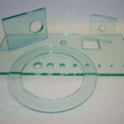 Как вырезать отверстие в стекле, что для этого нужно?
